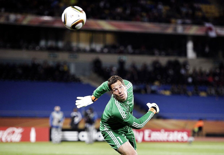 Thomas Sørensen var med Danmark til fire slutrunder. Her er han i aktion ved VM i Sydafrika i 2010.