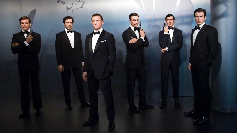 På billedet: Voksfiguerer af James Bond-karakterer. Fra venstre mod højre: Roger Moore, Timothy Dalton, Daniel Craig, Sean Connery, George Lazenby og Pierce Brosnan. The Madame Tussauds wax museum i Berlin, Tyskland.
