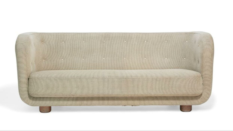 Flemming Lassen sofaen blev solgt for 610.000 kroner onsdag under en designauktion hos Bruun Rasmussen