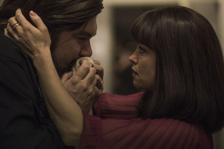 Helle Fagralid spiller rørende og legende rollen som Johns store kærlighed Ruth. Foto: Nordisk Film