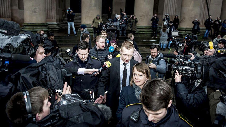 Anklager Jakob Buch-Jepsen forlader Københavns Byret efter det første retsmøde i sagen mod Peter Madsen torsdag den 8. marts 2018.