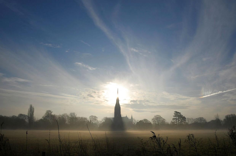 Så idyllisk tager katedralbyen Salisbury sig normalt ud.