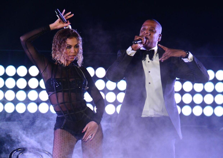 Beyoncé og Jay Z på scenen sammen under en tidligere koncert.