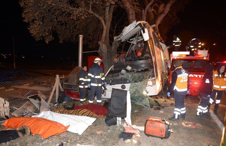 Ved den forrige busulykke i Tyrkiet blev 11 mennesker dræbt, da deres bus ramte nogte træer.