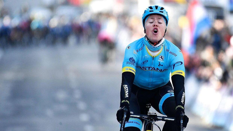Michael Valgren jubler her over sejren i årets Omloop Het Nieuwsblad, Han og Magnus Cort bliver Astanas danske repræsentanter i Milano-Sanremo.
