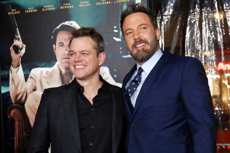 Ben Affleck og Matt Damon ved premieren på 'Live by Night' i Hollywood