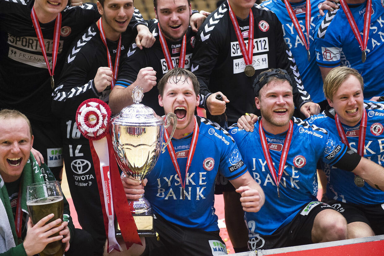 Sådan så det ud for to år siden, da HC Midtjylland vandt pokalturneringen. Nu er klubben tæt på konkurs.