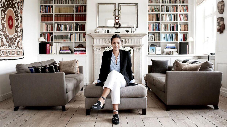 Julie Fagerholt fotograferet i sit hjem i det indre København.