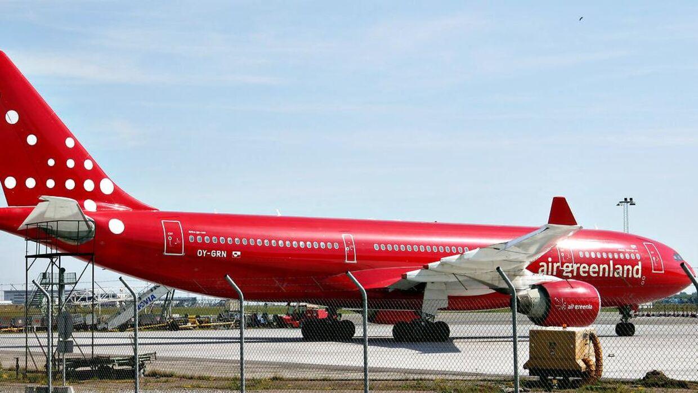 Et fly fra Air Greenland ses her i Københavns Lufthavn. Arkivfoto