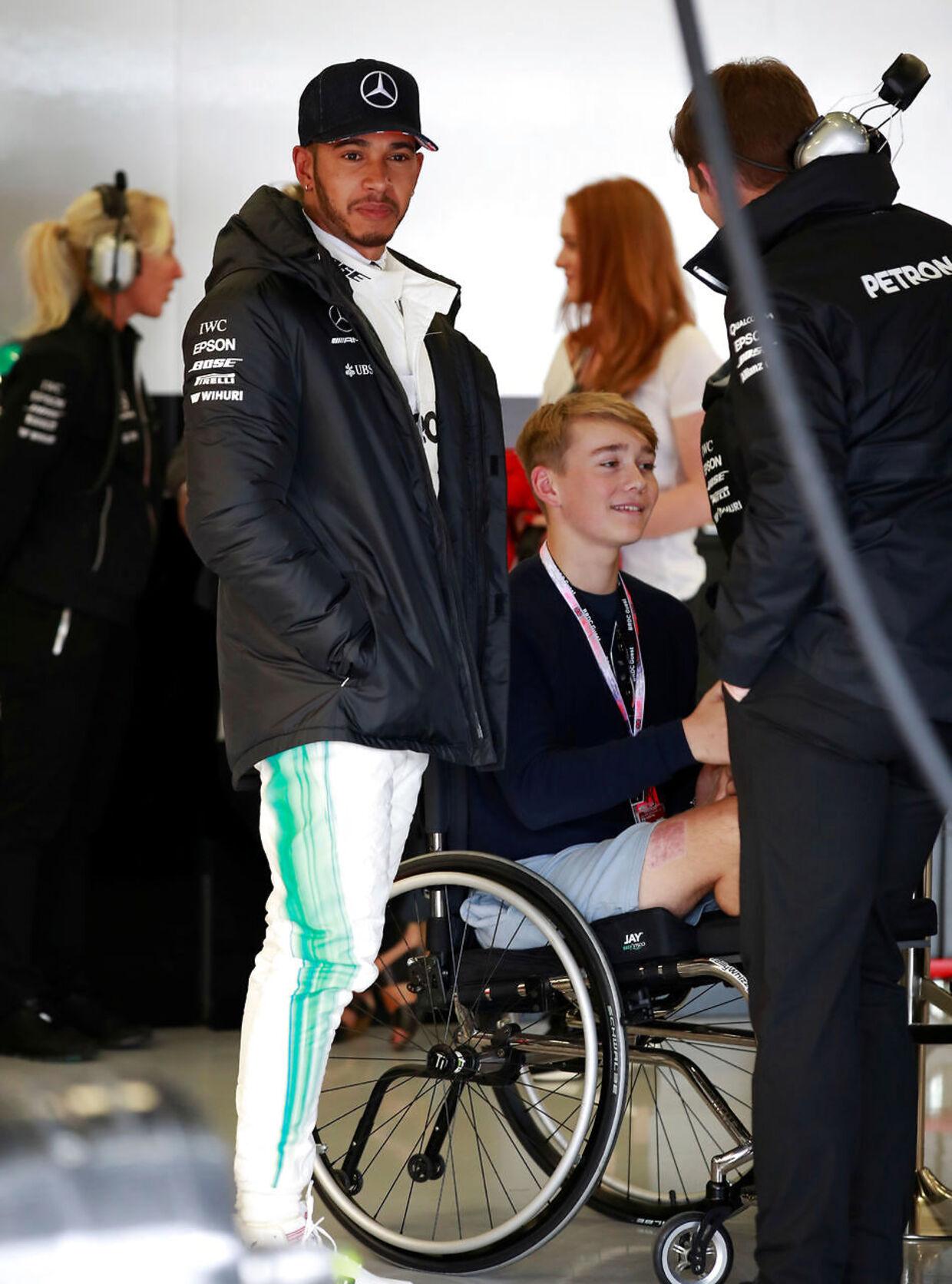 I juli 2017 fik Billy Monger fornøjelsen af at besøge Lewis Hamilton og Mercedes, da deres nye bil blev præsenteret.