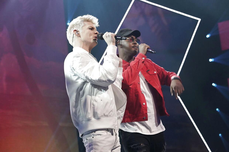 Sigmund og Skin på scenen. X Factor 11, liveshow 6, fredag den 30. Marts 2018 (Foto: Martin Sylvest/Ritzau Scanpix 2018)