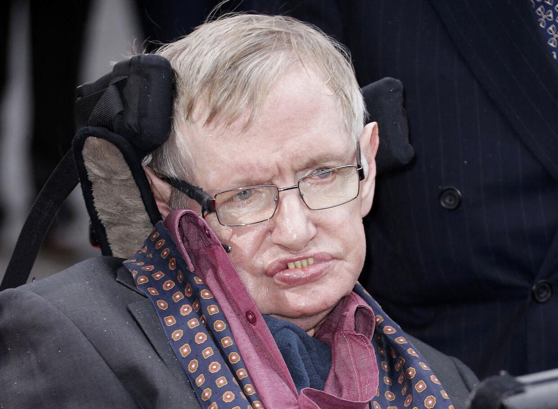 Professor Stephen Hawking blev 76 år. Han døde d. 14 marts 2018.