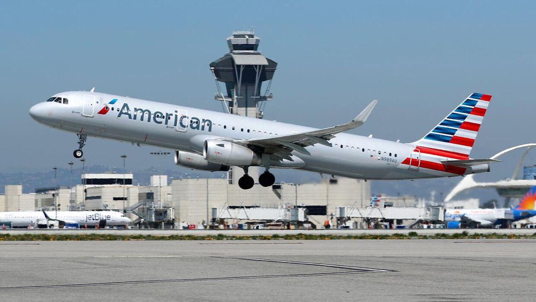 Det var et fly fra American Airlines, der blandt andet mener at have set en UFO.