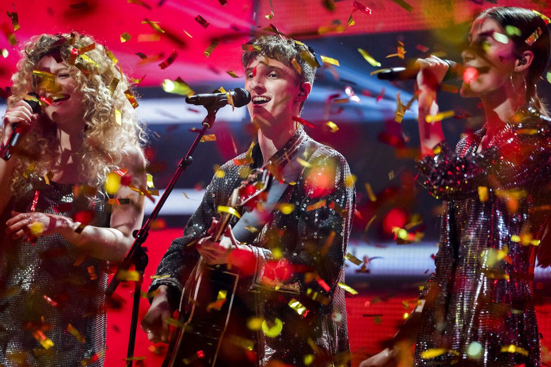 Place on Earth. Finalen i X Factor. Fredag den 6. april.