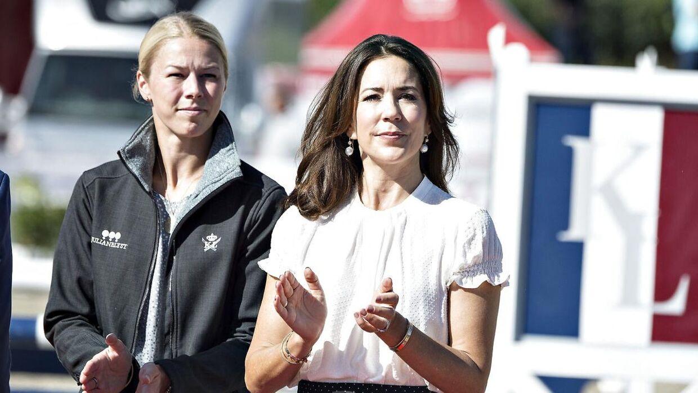 Agnete Kirk Thinggaard, der her ses ved et ridestævne sammen med kronprinsesse Mary, har sammen med sin far og sin bror en stor passion for heste. Efter en længere pause er hun på få år vendt tilbage til dressurtoppen, hvilket blandt andet resulterede i, at hun deltog ved OL for Danmark i 2016.