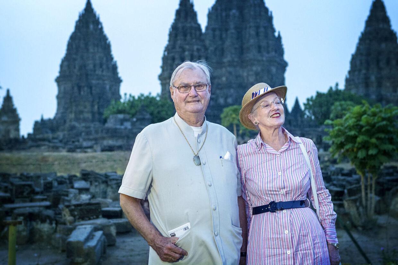 HKH Dronning Margrethe og prins Henrik her sammen i oktober 2015 i Indonesien.