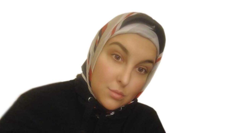 b75e51228cd 23-årige Maria er kristen og går med tørklæde: Er I klar over hvad der står  i bibelen?
