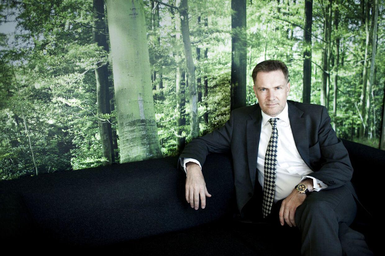 Interview med den fynske milliardær Niels Thorborg. Han vil fortælle om Fyns store udfordringer og muligheder samt om sit eget forretningsimperium, der bl.a. rummer L'easy. Her er han fotograferet ved hans reklamebureau der ligger ved Odense Havn.