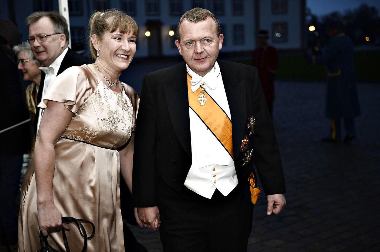 Statsminister Lars Løkke Rasmussen (V) med sin kone Sólrun Løkke Rasmussen. Her ses parret ved Fredensborg i forbindelse med et besøg fra Mexicos præsident tilbage i april 2016.