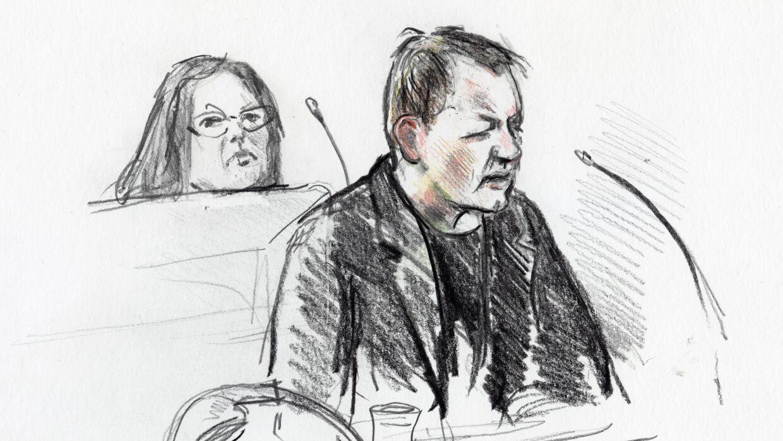 Peter Madsen stirrede ned i bordet, mens rettens begrundelser for dommen blev læst op. (Foto: Anne Gyrite Schütt/Ritzau Scanpix)