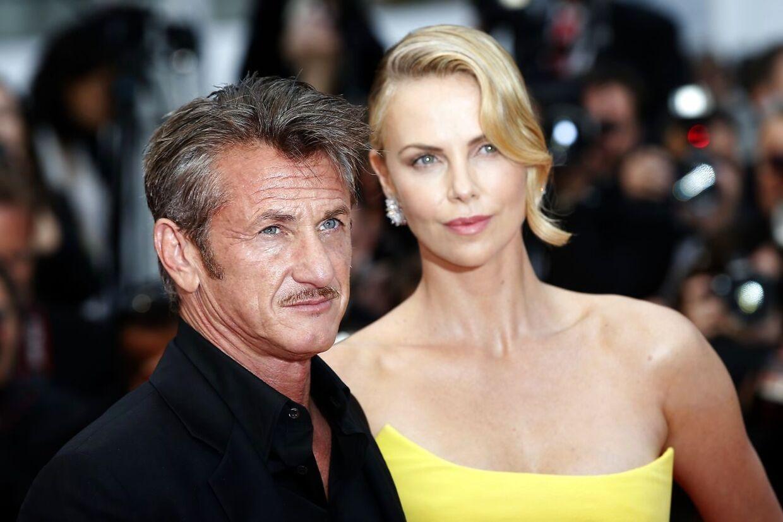 Skuespillerne Sean Penn og Charlize Theron dannede for år tilbage par. Forholdet holdt dog ikke længe.