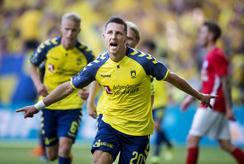 Brøndbys Kamil Wilczek til 2-1 under DBU pokalfinalen mellem Silkeborg IF - Brøndby IF i Telia Parken torsdag den 10 maj 2018