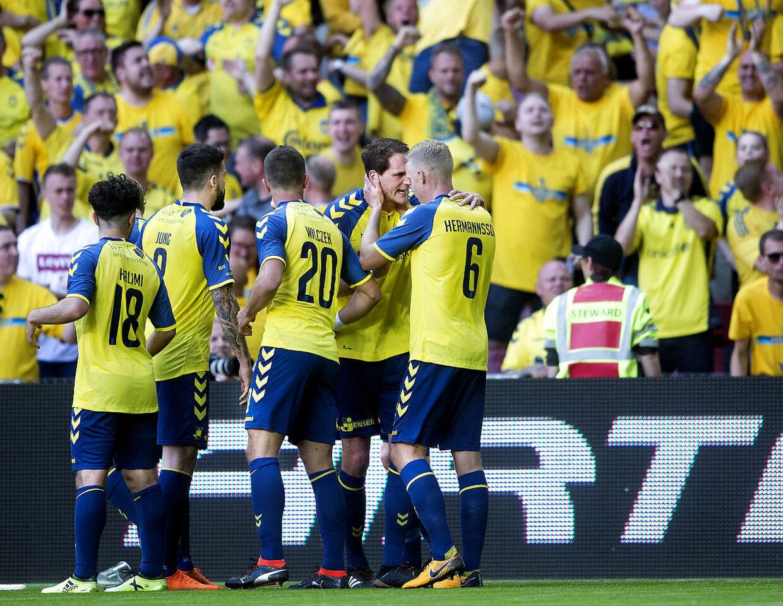 Brøndbys Benedikt Röcker til 1-1 under DBU pokalfinalen mellem Silkeborg IF - Brøndby IF i Telia Parken torsdag den 10 maj 2018