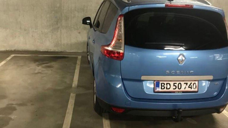 Benjamin Rud Elberth fik en kontrolafgift på 750 kroner for denne parkering.