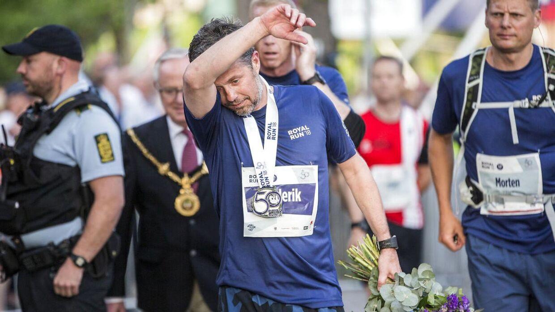 En lettere træt kronprins Frederik i mål efter at have løbet Royal Run. (Foto: Nikolai Linares/Ritzau Scanpix)
