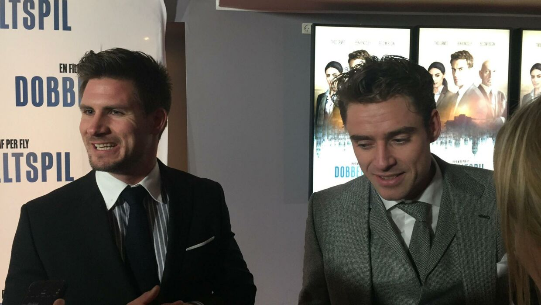 Jonas Løvik (tv) og Johannes Nymark på den røde løber til Per Flys nye film 'Dobbeltspil'.
