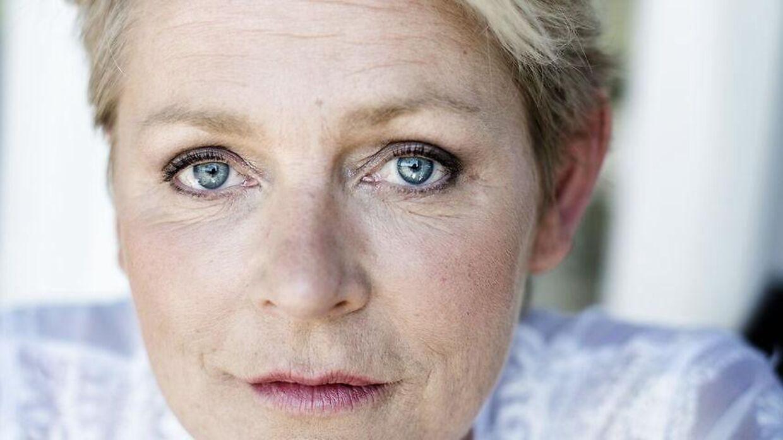 Søs Egelind får kritik af sin optræden ved DRs store fødselsdagsshow for Kronprinsen.
