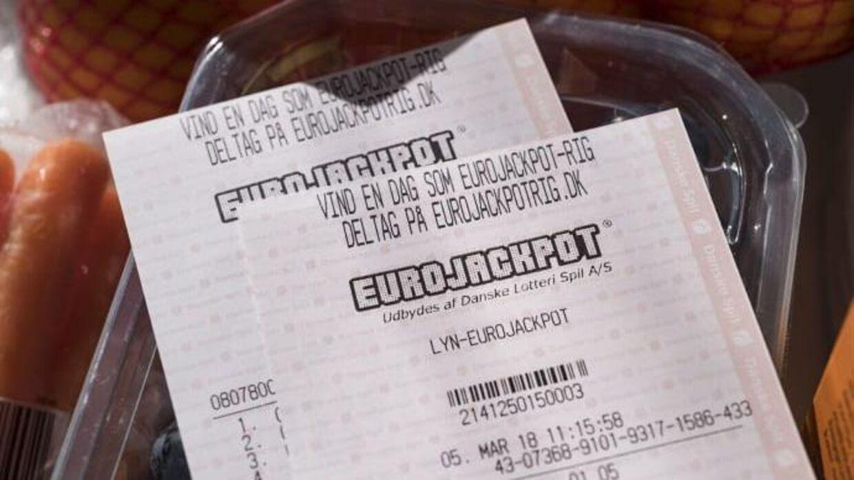 En rigtig heldig dansker blev i weekenden mangemillionær, efter han havde købt en Eurojackpot-kiosk på Fyn.
