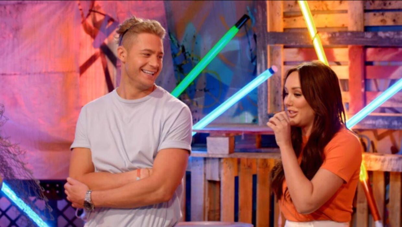 Charlotte og Scotty får set nogle ret opsigtsvækkende tatoveringer i programmet. (Foto: MTV)