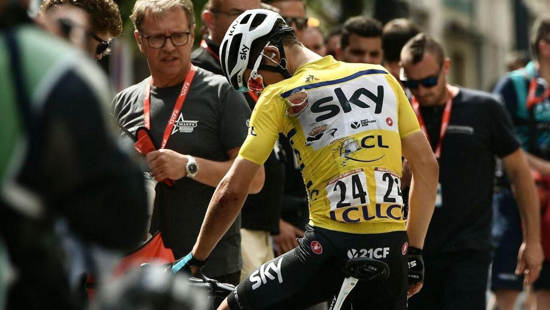Michal Kwiatkowski pådrog sig nogle skrammer, da han styrtede under 2. etape af Criterium du Dauphine.