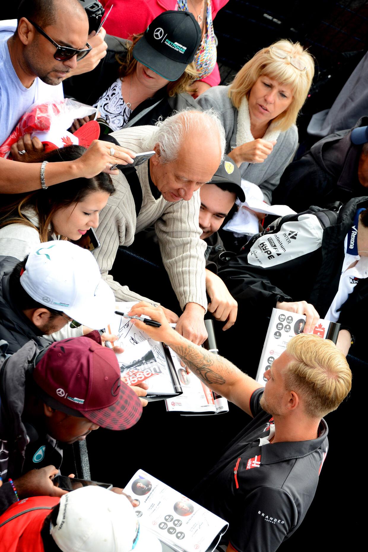 Kevin Magnussen mødte fansene i Montreal. (Foto: Peter Nygaard)