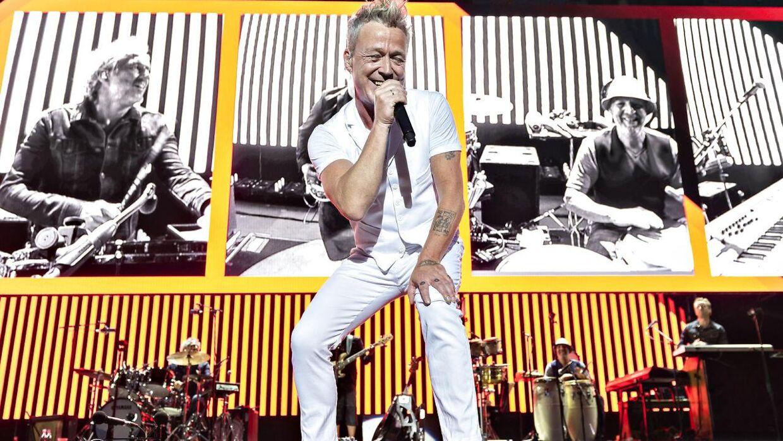 Thomas Helmig er manden bag VM-sangen 'Hele Danmark op at stå'.