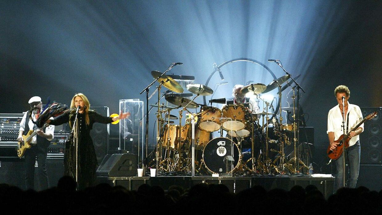 Arkiv. Det britiske rockband Fleetwood Mac gik på scenen igen efter et årtis pause. Bandet oplyste søndag, at deres tidligere guitarist Danny Kirwan er gået bort.
