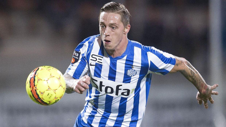 Nicki Bille har udover et hav af udenlandske klubber også spillet i Superligaen. Senest var i 2015, hvor han spillede for Esbjerg.