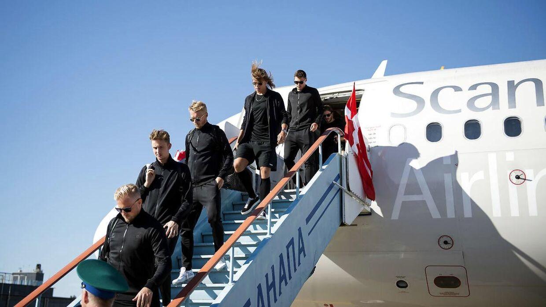 De danske landsholdspillere ankommer til Anapa Lufthavn i Rusland mandag den 11 juni 2018.