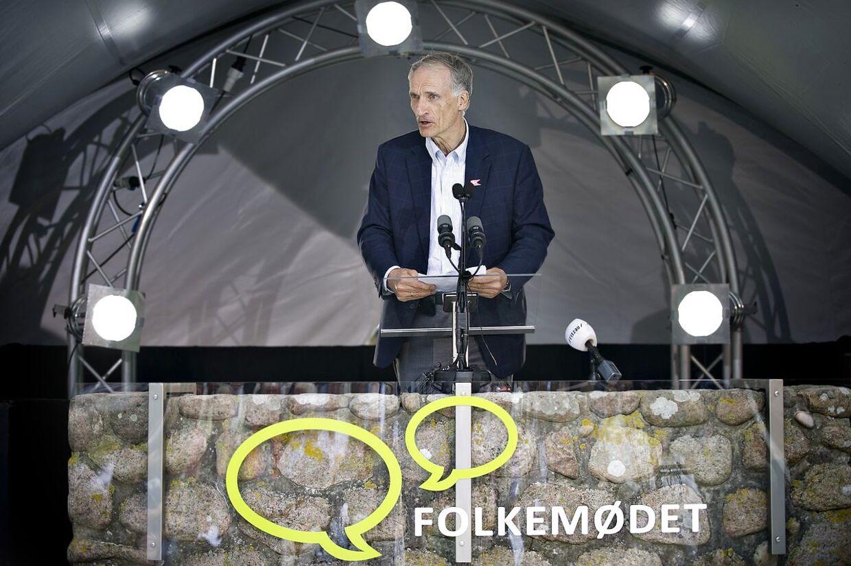Sundhedsminister Bertel Haarder taler på Folkemødet i Allinge på Bornholm onsdag d. 15 juni 2011. (Foto: Marie Hald/Scanpix 2011)