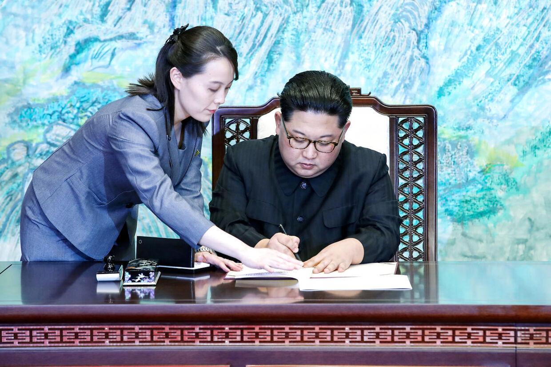 Skriv her, brormand. Kim Yo-jong spiller en væsentlig rolle i storebrors liv og i de nye tider for Nordkorea.