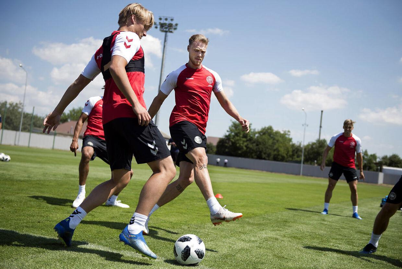 Kasper Dolberg er blevet førsteudfordrer til Nicolai Jørgensens plads i front, efter en spiller som Nicklas Bendtner ikke kom med til VM.