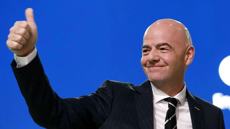 FIFA-præsident, Gianni Infantino, kan se frem til knap 39 milliarder kroner fra sponsorindtægter til VM-slutrunden i Rusland.