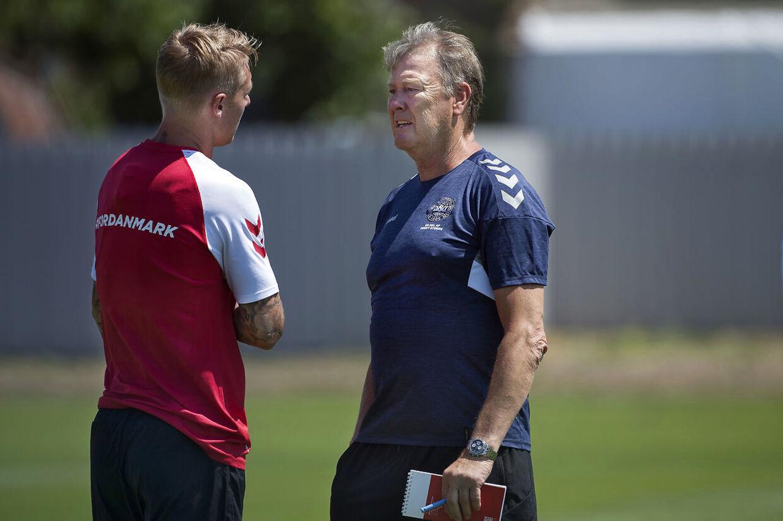Normalt taler landstræneren med pressen hver dag under en slutrunde. Men Åge Hareide har haft brug for ro de første dage, efter det danske VM-hold landede i Rusland.