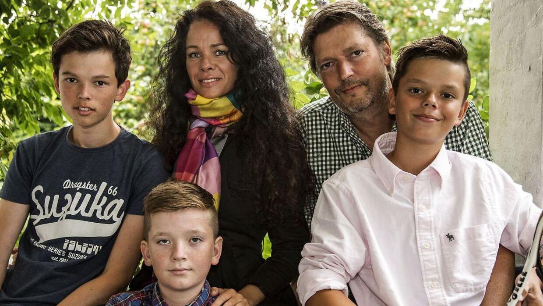 'Årgang 0'-Christian på 12 år, ses her sammen med familien i deres aarhusianske hjem.