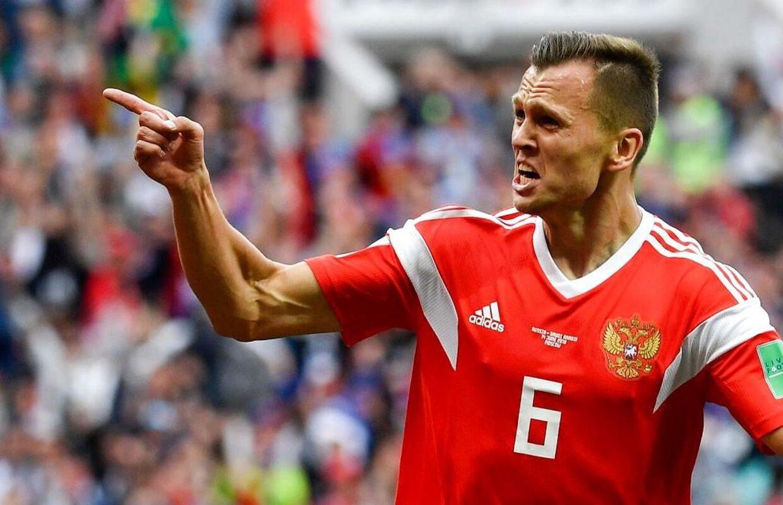 Ruslands Denis Cheryshev scorede målet til 2-0.