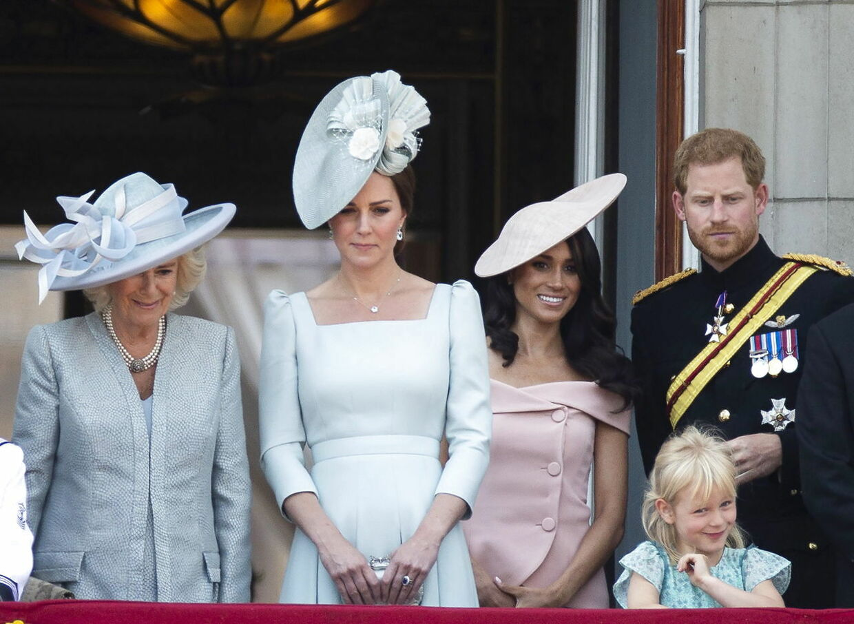 Hertuginde Camila, hertuginde Kate, hertuginde Meghan og prins Harry under Trooping of the Colour-paraden 9. juni.