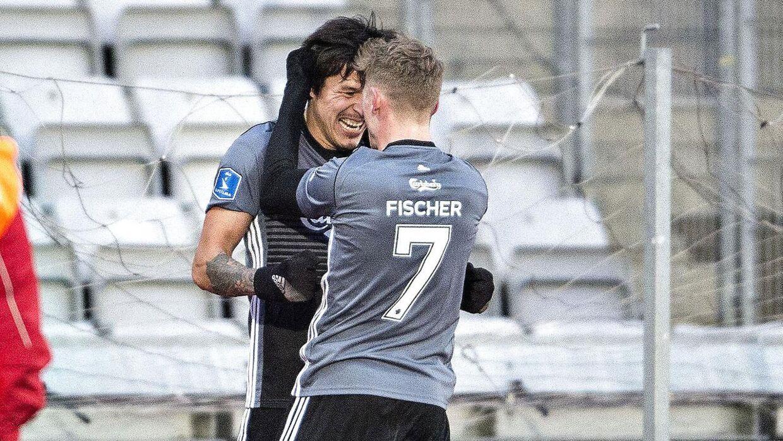 FCKs Federico Santander har scoret til 1-0 i Alka Superliga-kampen mellem AGF og FC København på Ceres Park i Aarhus.