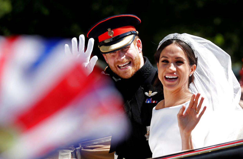 Her ses Meghan Markle og prins Harry på deres bryllupsdag.