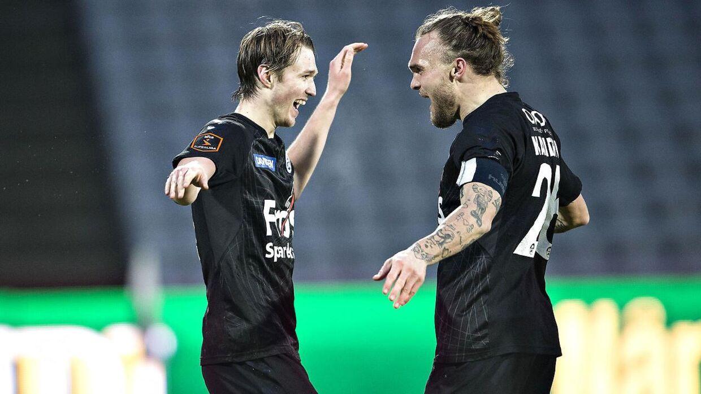 21-årige Mikkel Hedegaard (tv.) ses her med Pierre Kanstrup.